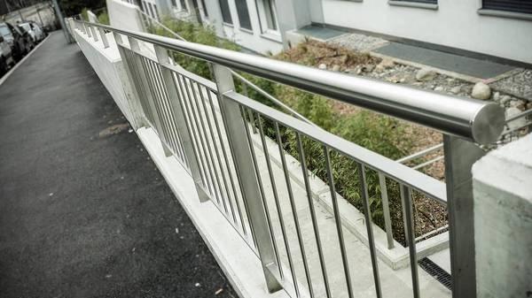 Guide D Achat Main Courante Inox Pour Escalier Exterieur Ou Rampe Main Courante Escalier Inox Qualite Pro Esprit De Services